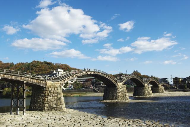 錦帯橋(PIXTA)