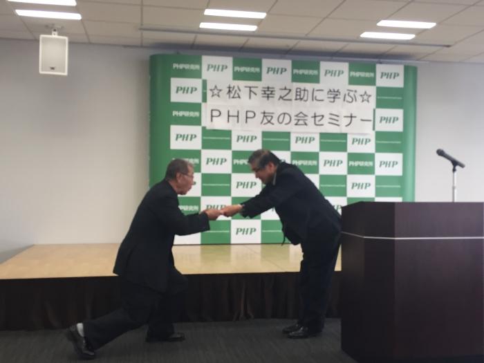 左が倉橋神父。右が澤田会長